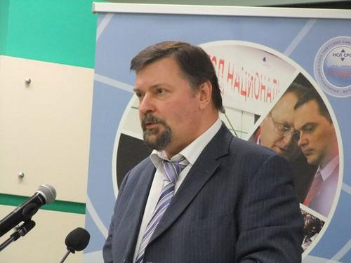 В перерыве состоялся брифинг с руководителями Национального союза лифтовых саморегулируемых организаций