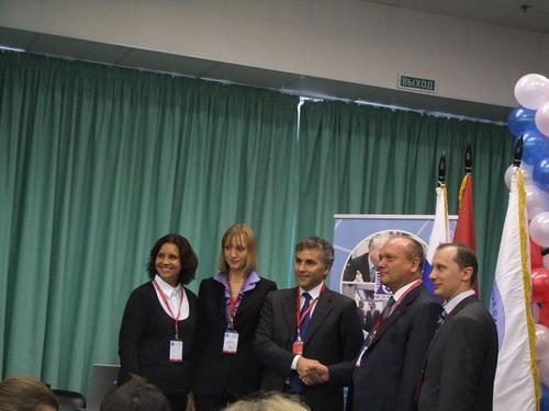 Для участия в брифинге было аккредитовано около 30 журналистов