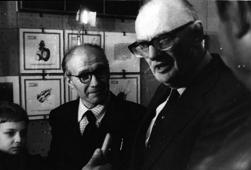 Именно к нему в свое время обращался знаменитый фантаст Артур Кларк, чтобы проконсультироваться относительно идеи космического лифта