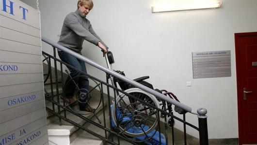 Сколько в Эстонии людей не могут выйти из дома из-за отсутствия лифтов?