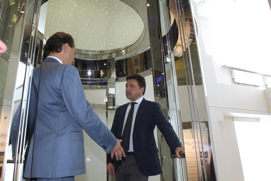 Для испытания лифтов и лебёдок здесь построена самая высокая в Европе лифтовая башня, высотой 87,7 метров