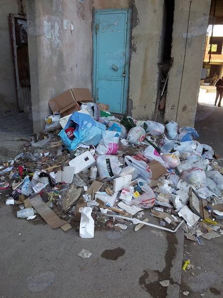 В Азербайджане лифты установили, мусор убрать забыли