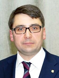 Чернышов С.А., 1974 г.р., был назначен в мае 2013 года. Вроде бы внушал определённые надежды как человек, знакомый с лифтами