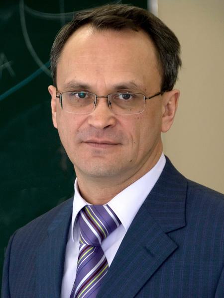 Истомин А.М., 1960 г.р., возглавлявший ранее фабрику тротуарной плитки «Готика», работал генеральным директором МОСЛИФТа