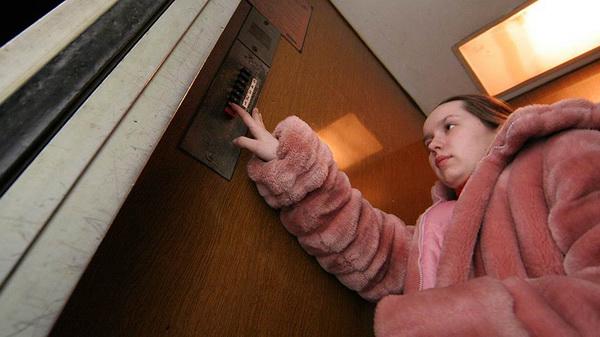 Опасные для жизни лифты в Нижнем Новгороде заменят по настоянию суда