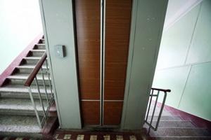 В Уфе 32% от общего числа или 2,3 тысячи лифтов, действующих в многоквартирных жилых домах, отработали свой нормативный срок
