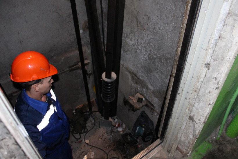 Замену и ремонт более 1,3 тысячи единиц лифтового оборудования выполнили в рамках региональной программы капитального ремонта многоквартирных домов в 2018 году