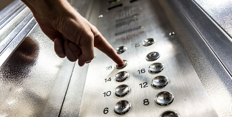 Эксперт: в Омске необходимо заменить две тысячи лифтов