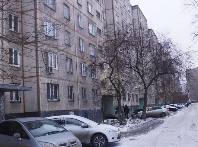 Жители челябинской многоэтажки почти год не могут добиться подключения лифта