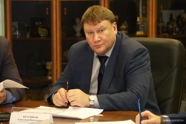 Глава администрации города Пскова Александр Братчиков ответил на призыв трудового коллектива «Лифтмонтажсервиса»