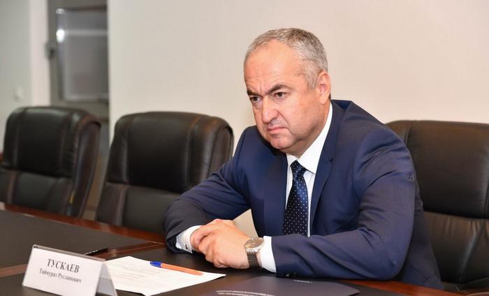 Таймураз Тускаев раскритиковал работу по замене лифтов в многоквартирных домах