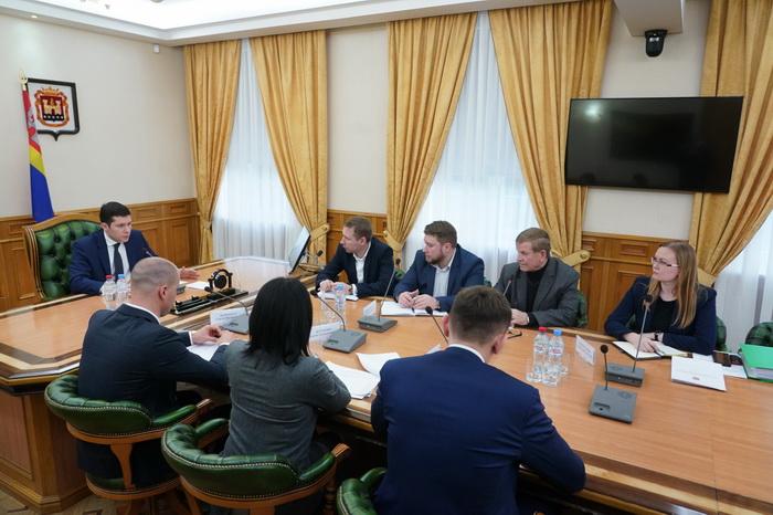 Губернатор Калининградской области взял ситуацию по замене лифтов в  регионе под личный контроль
