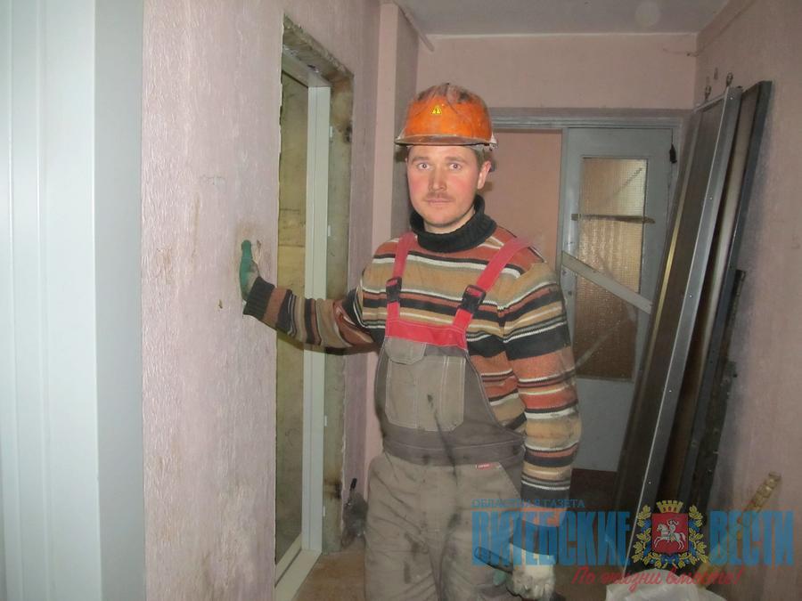 Замена лифтов в многоэтажках Витебска и области отстает в разы от плана. В чем причина?