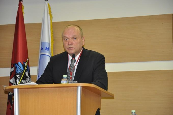 С приветственным словом перед собравшимися выступил Виктор Тишин, президент Национального Лифтового Союза (НЛС)