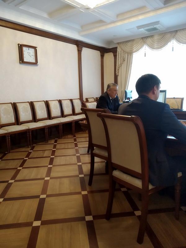 Жительница Тосно напомнила губернатору Ленобласти Дрозденко о проблеме с заменой лифтов
