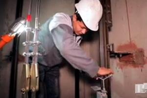 До конца года в многоэтажках Ташкента заменят 132 лифта