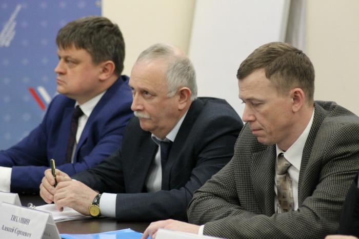 ОНФ обратится в Генпрокуратуру с просьбой проверить подрядчика, из-за которого в девятиэтажках Ленинградской области полгода нет лифтов