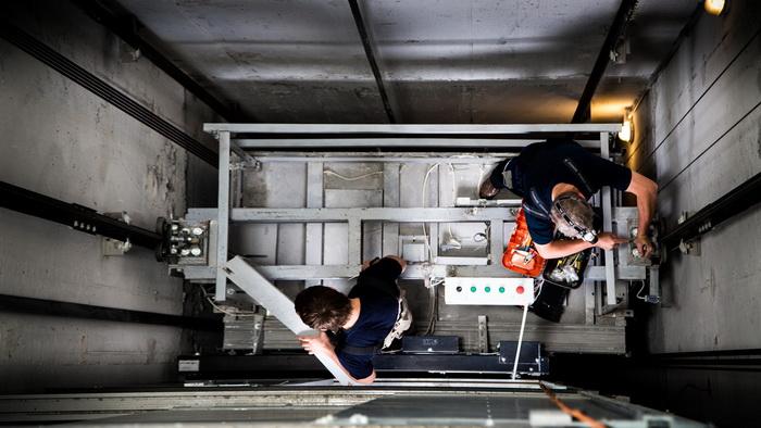 Крымфиннадзор проверил использование субсидии из бюджета республики на капитальный ремонт и замену лифтов