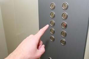 Майран Тамаев прокомментировал ситуацию по ускоренной замене лифтового оборудования в республике Северная Осетия-Алания