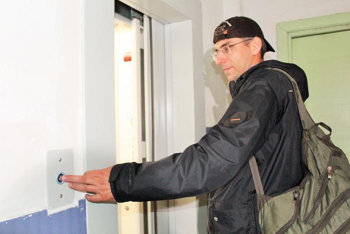 В 2019 году в многоквартирных домах Омской области заменят 373 лифта