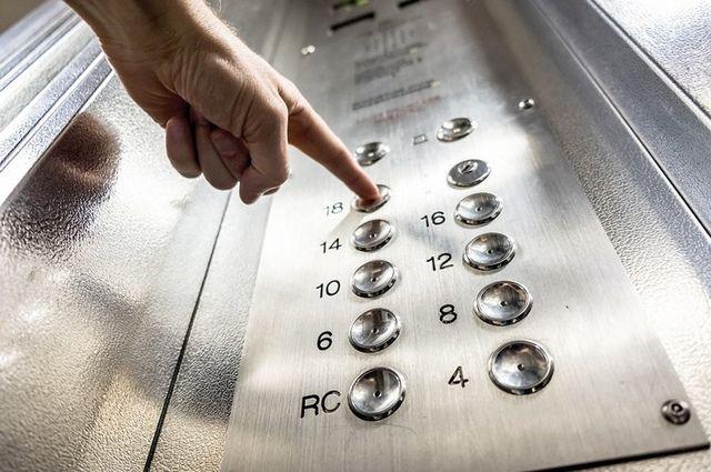 Неподъёмный механизм. Далеко не все могут себе позволить новый лифт