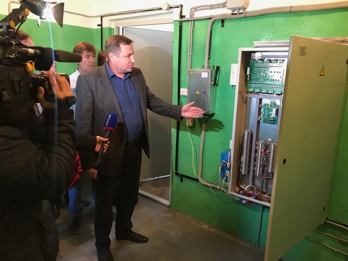 В кировских домах продолжается замена лифтов по программе капремонта