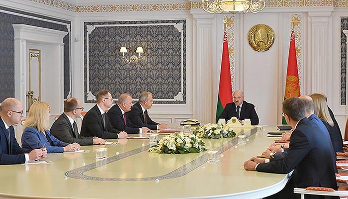 Президент Беларуси Александр Лукашенко 20 июля 2020 г согласовал назначение Сергея Черткова генеральным директором Могилевского завода лифтового машиностроения