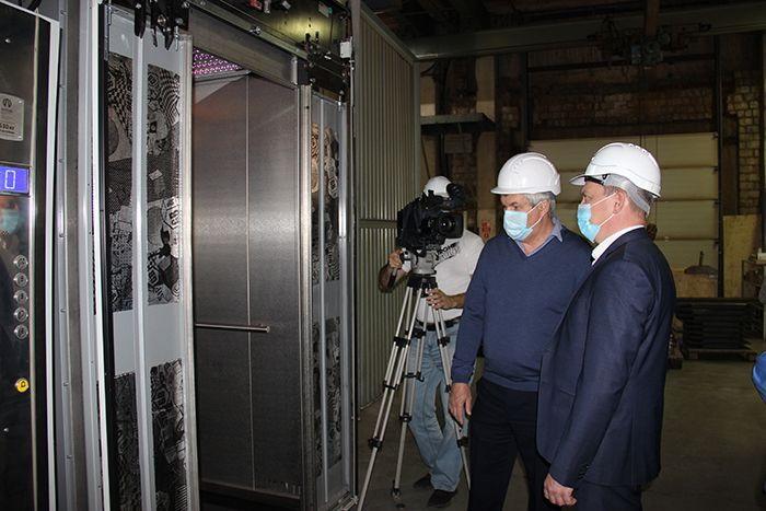 Глава Копейска Андрей Фалейчик посетил ООО Челябинский лифтостроительный завод «Витчел»