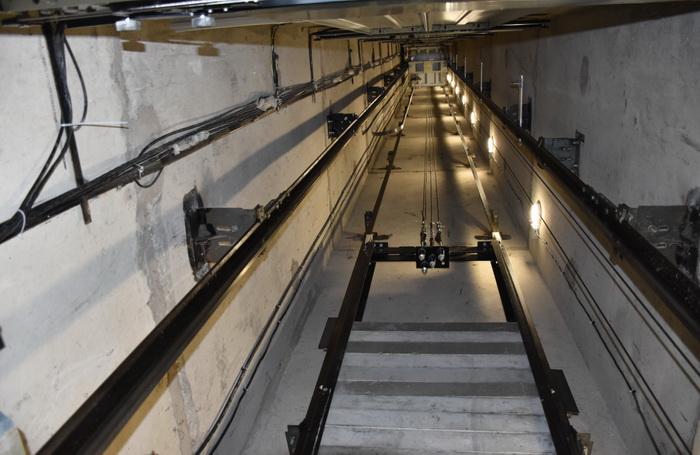 В Алтайском крае проводится замена более 100 лифтов