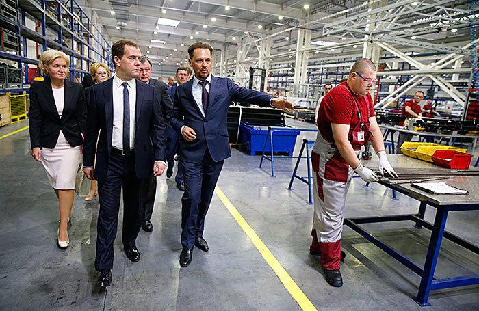 Дмитрий Медведев посетил Серпуховский лифтостроительный завод