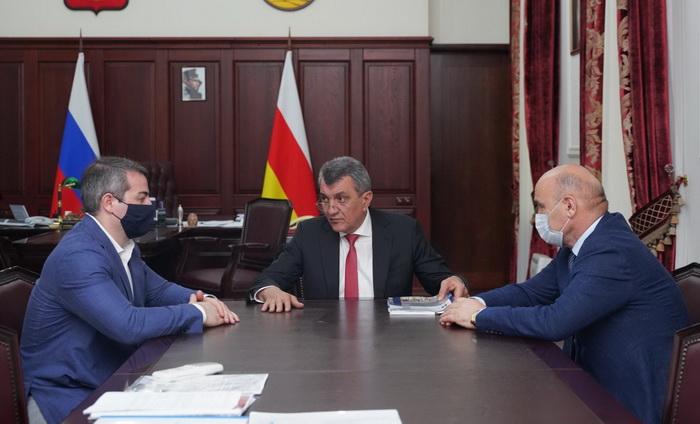 Банкротящийся Карачаровский механический завод собрался в Северной Осетии бесплатно заменить 100 лифтов?