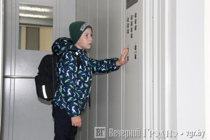 В Гродно вводят нового работника по лифтам — зачем это нужно